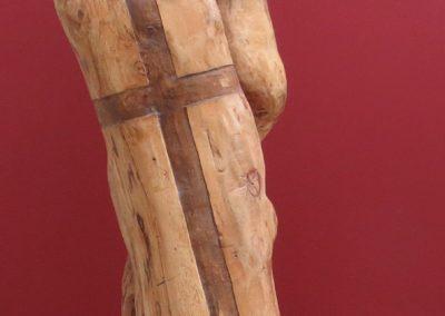 Guerriero dietro Pavese | Scultura a tutto tondo Legno di ontano 70x25x20