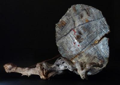 Heart not a globe | ceramica e tronco 50x60 c.ca 2014