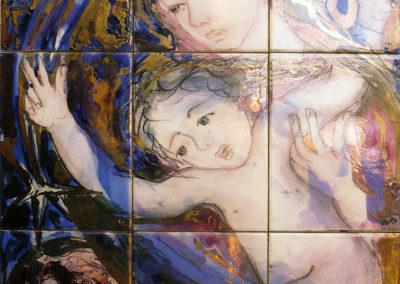 Gesù bambino e la terra, 1992, pannello in ceramica, I-II-III fuoco, venature in oro, cm. 60x45